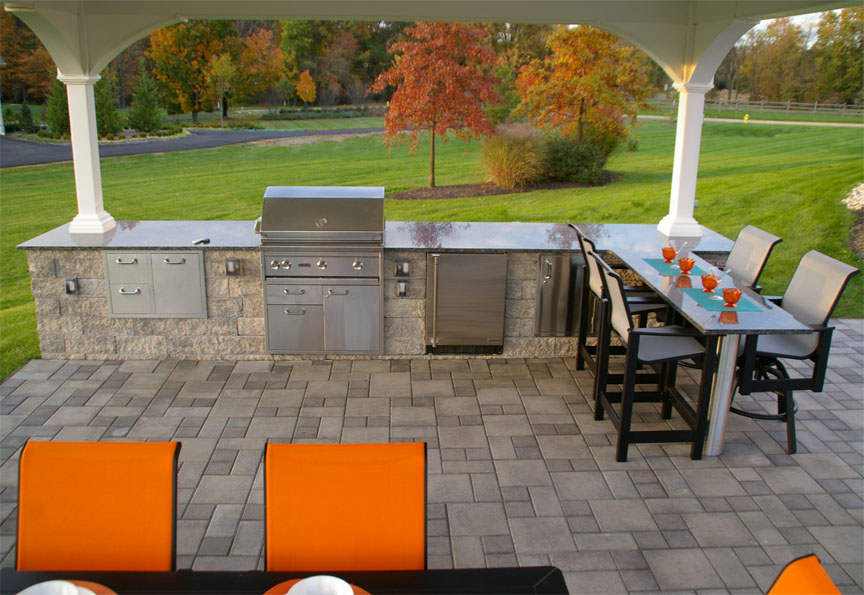 EP Henry Pavers, Outdoor Kitchen
